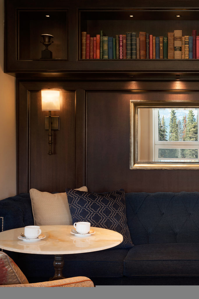 fairmont gold lounge at the chateau lake louise