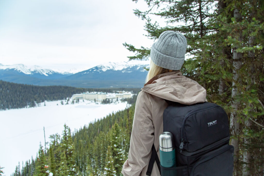 grab and go dining options in lake louise