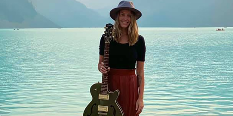 Alanna J Brown plays live music lake front