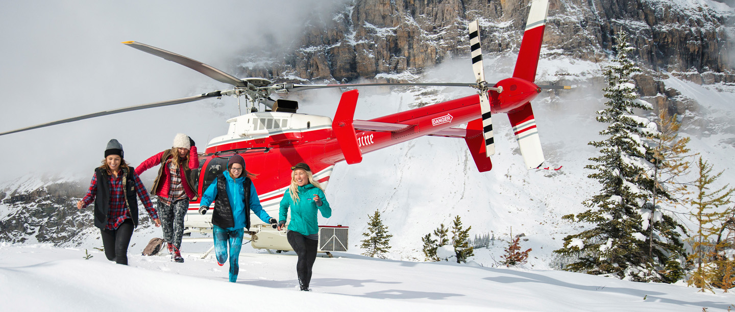 Helicopter tours in lake louise